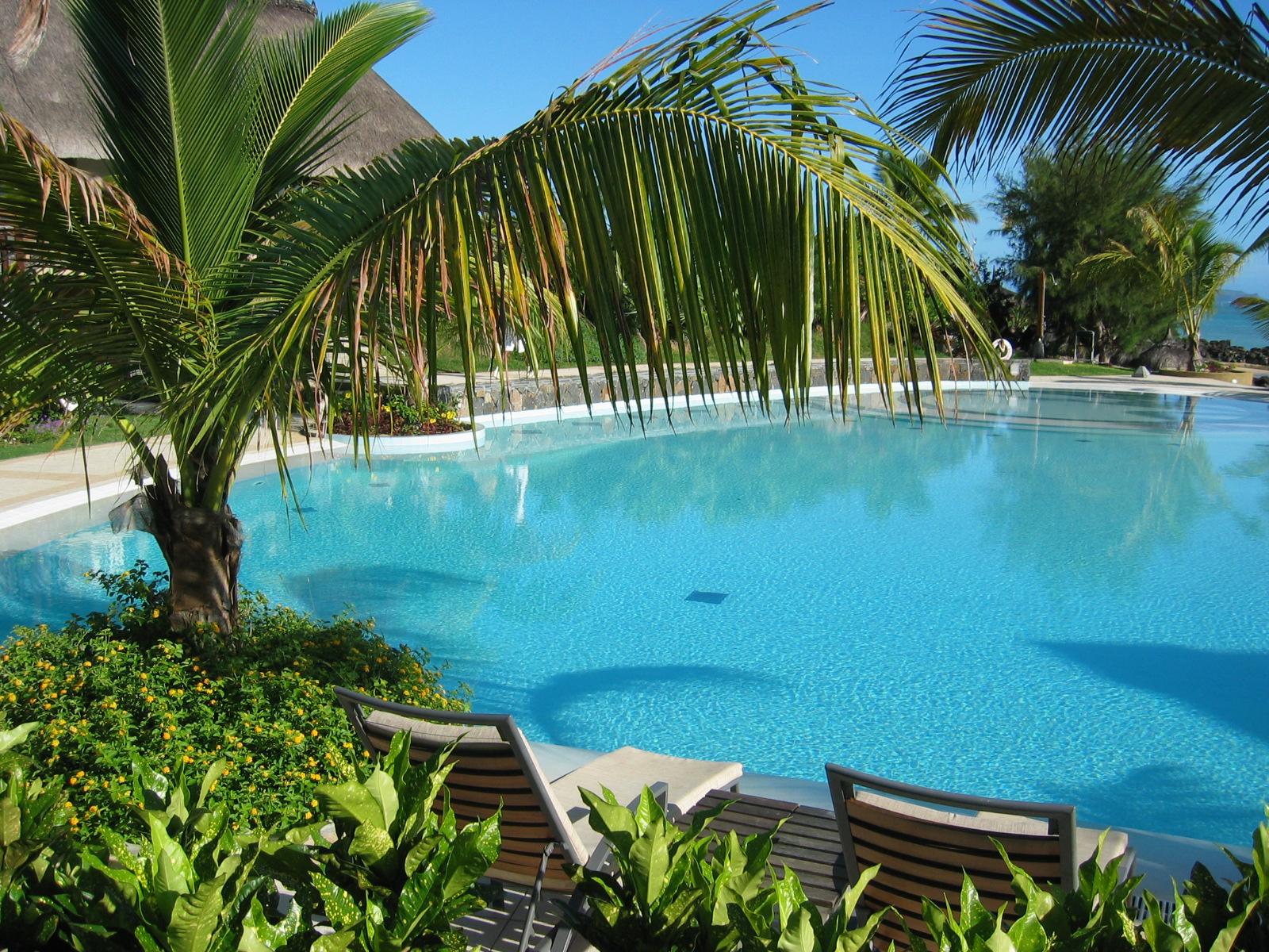 Moi ma vie ma famille piscine de luxe for Piscine luxe